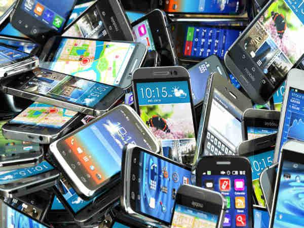 okostelefon eladása